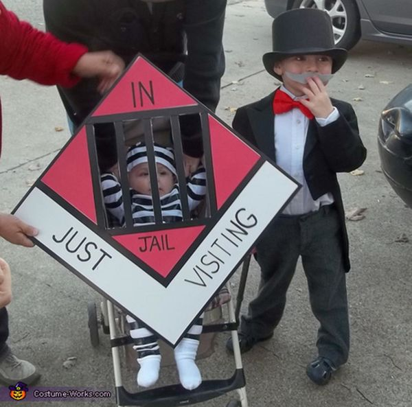 """Via <a href=""""http://www.costume-works.com/uncle_pennybags_and_go_to_jail.html"""" target=""""_blank"""">Costume Works</a>"""