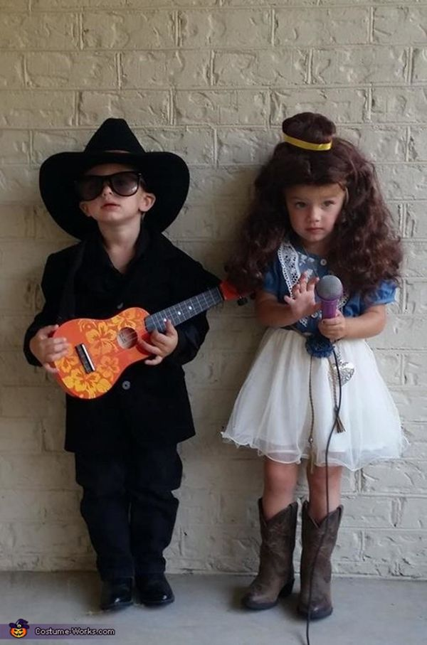 """Via <a href=""""http://www.costume-works.com/johnny-cash-and-june-carter-twins.html"""" target=""""_blank"""">Costume Works</a>"""