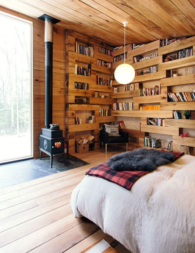 This Tiny Guesthouse Filled With Books Is The Perfect Woodsy