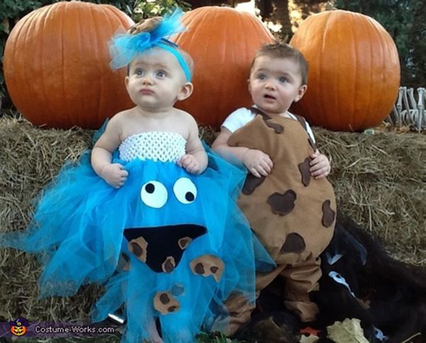 """Via <a href=""""http://www.costume-works.com/cookie-n-cookie-monster.html"""" target=""""_blank"""">Costume Works</a>"""