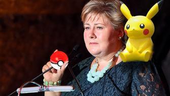 Erna Solberg dabbles in Pokemon