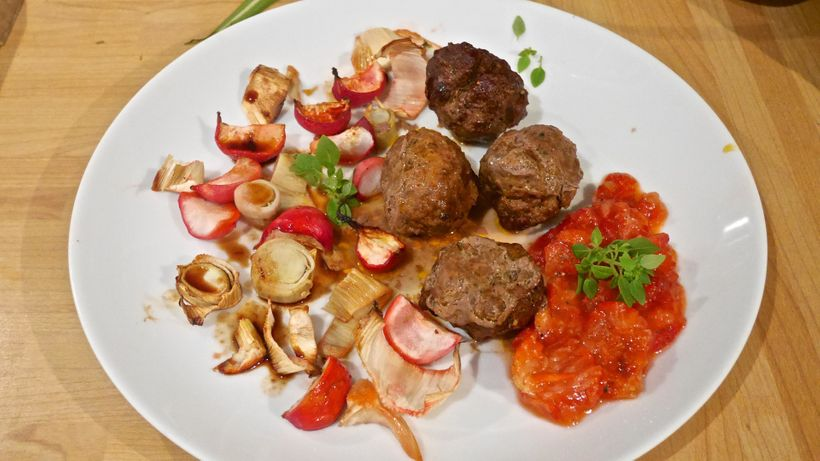 Spiced beefballs, honey-roasted radish & fennel, Greek basil strawberry mash