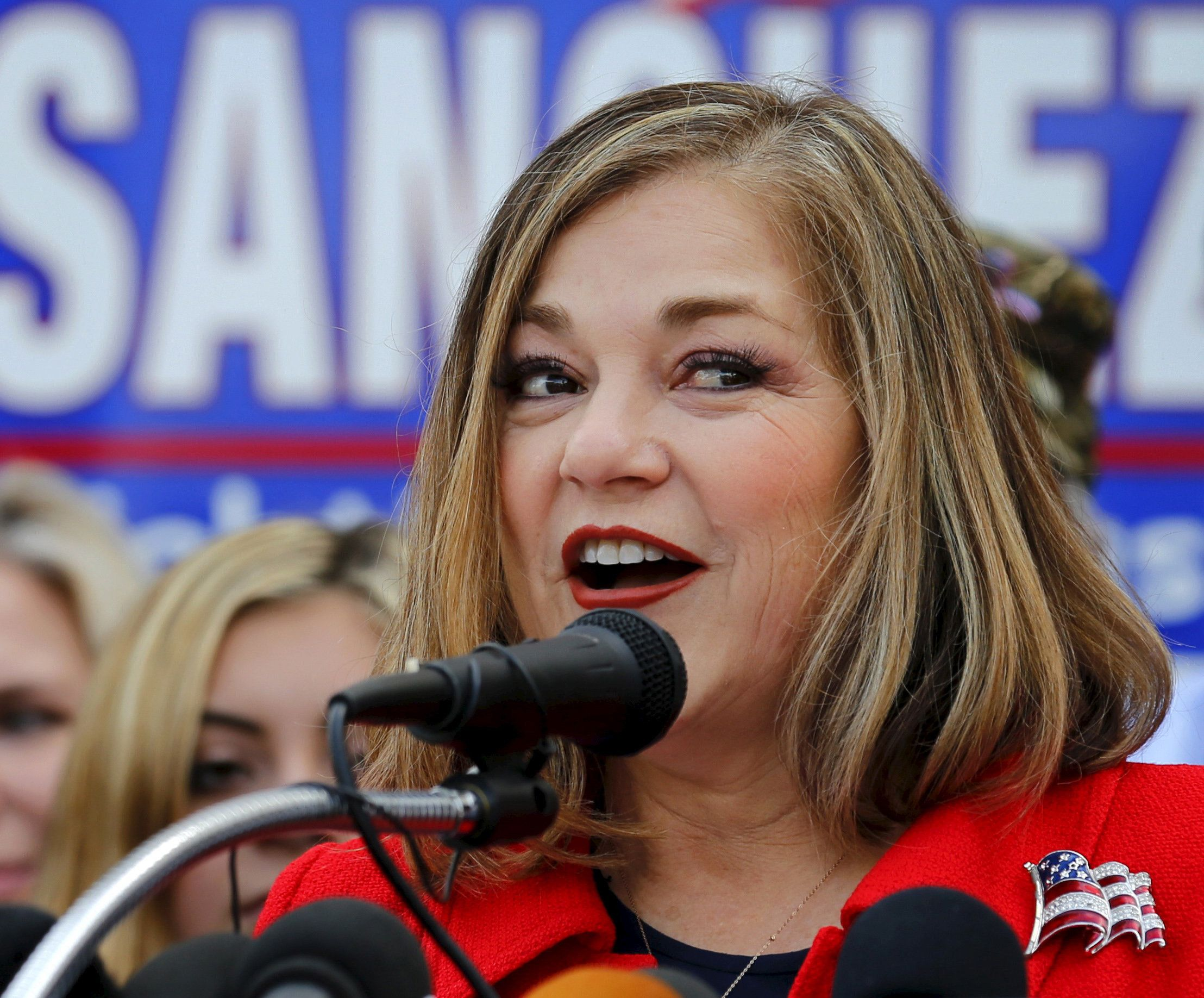Rep. Loretta Sanchez (D-Garden Grove) announces she will run for the U.S. Senate seat of vacating California Senator Barbara Boxer during an event in Santa Ana, California, U.S. May 14, 2015.  REUTERS/Mike Blake/File Photo