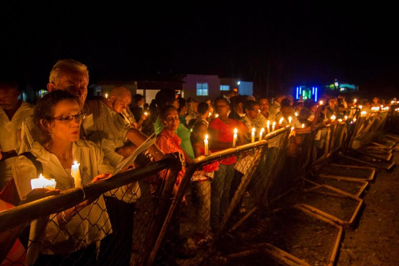 Author Julia Alvarez joins vigil on the Dominican-Haitian border