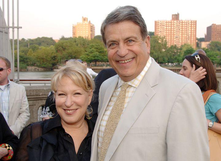 Bette Midler in2007moved to platinum blonde.
