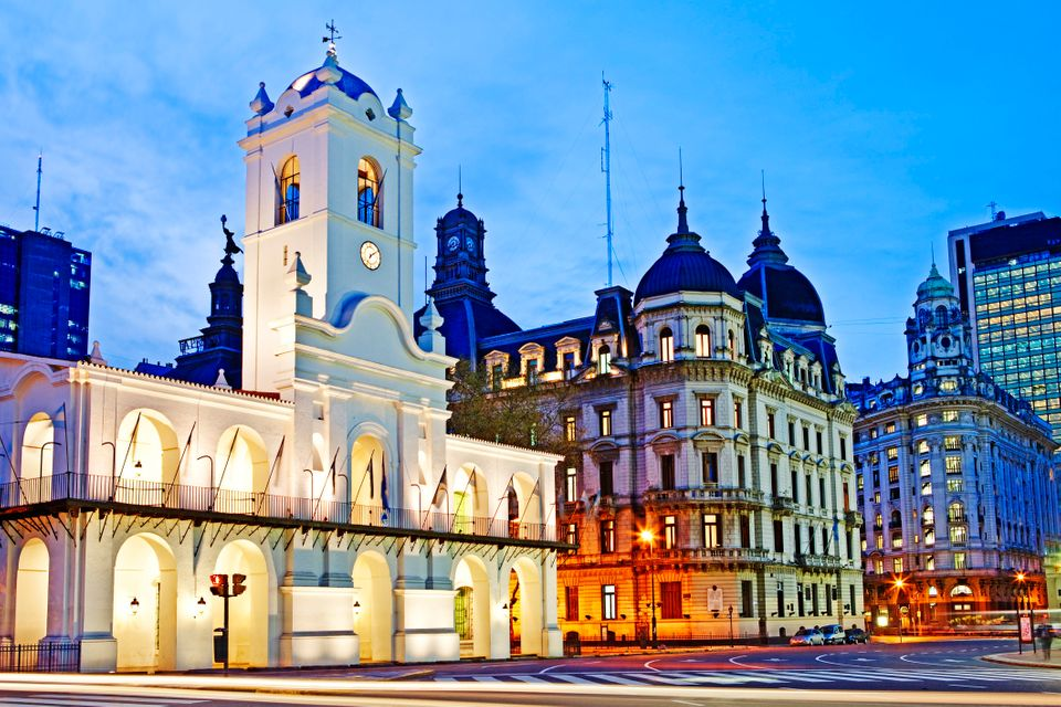 Couples looking for a vibrant culture will love Buenos Aires, which blends European charm with Latin American roots. Argentin