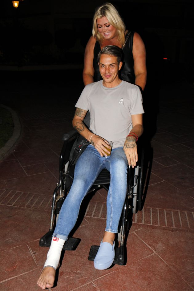 A more-covered Bobby Norris in