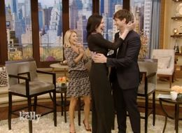 Ashton Kutcher Freaks Out On Laura Prepon After She Forgets To Tell Him She's Engaged
