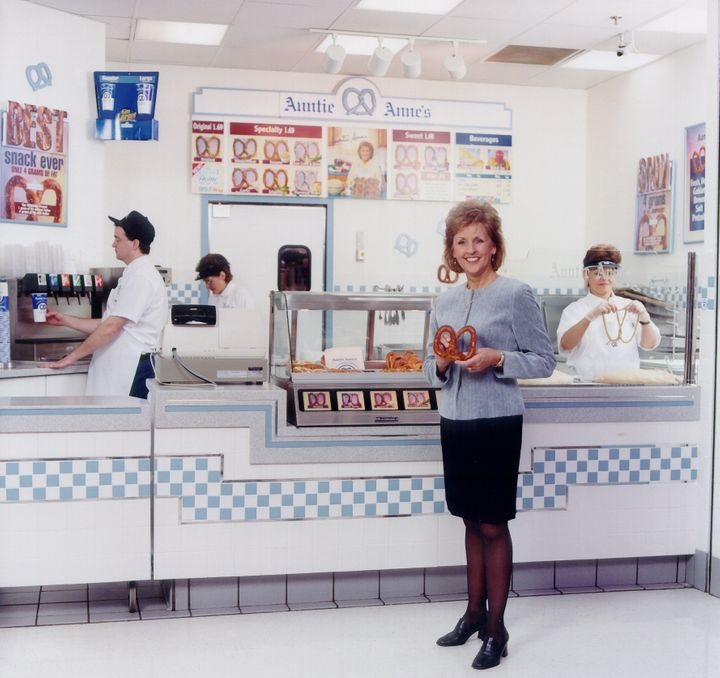 One of many Auntie Anne's stores rolls out pretzelsin the '90s.