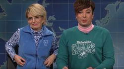 Tina Fey Mocks Jimmy Fallon Over Donald Trump Interview During 'SNL'