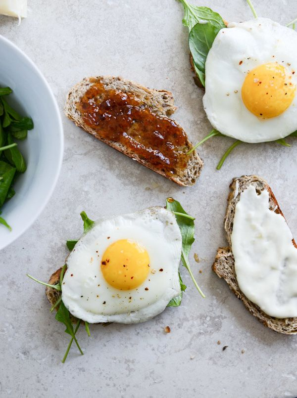 """<strong>Get the <a href=""""http://www.howsweeteats.com/2014/01/gruyere-fig-jam-and-arugula-breakfast-sandwiches/"""" target=""""_blan"""