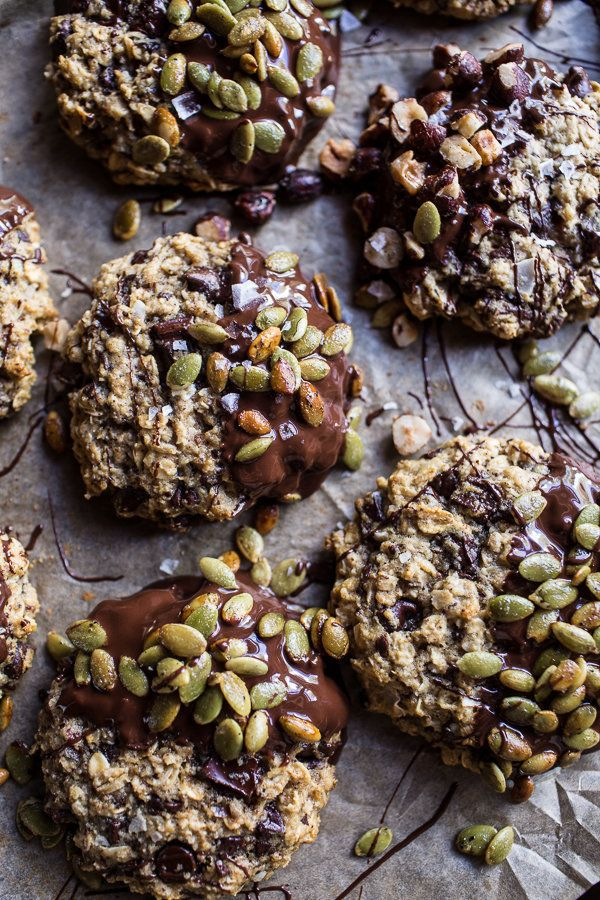 "<strong>Get the <a href=""http://www.halfbakedharvest.com/harvest-oatmeal-chocolate-chunk-cookies-with-salted-toasted-pepitas/"