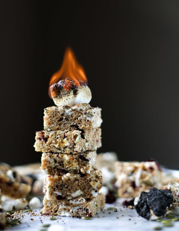 "<strong>Get the <a href=""http://www.howsweeteats.com/2016/10/toasted-marshmallow-quinoa-and-cashew-butter-rice-krispie-treats"