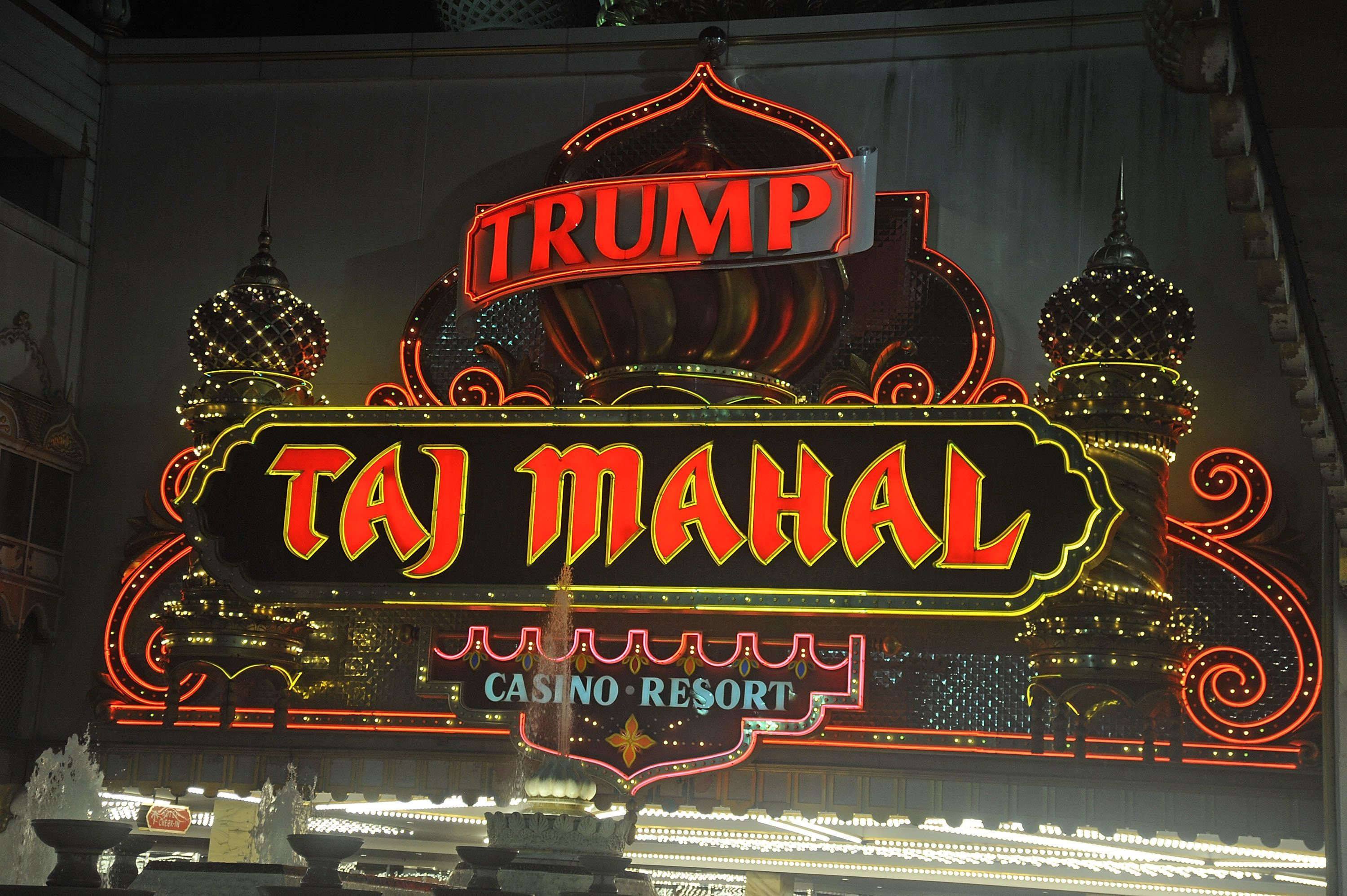 ATLANTIC CITY, NJ - OCTOBER 09:  Atmosphere at the Trump Taj Mahal in Atlantic City, New Jersey that will close  Monday October 10 2016 at 5:59am in Atlantic City, NJ at Trump Taj Mahal on October 9, 2016 in Atlantic City, New Jersey.  (Photo by Bobby Bank/Getty Images)