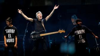 Roger Waters performs at Desert Trip music festival at Empire Polo Club in Indio, California U.S., October 9, 2016. Picture taken October 9, 2016.  REUTERS/Mario Anzuoni     TPX IMAGES OF THE DAY
