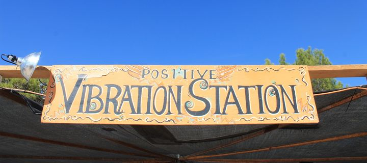 The Positive Vibration Station was a designated space at the festival for chakra balancing, sonic explorations, Khi Cong, mus