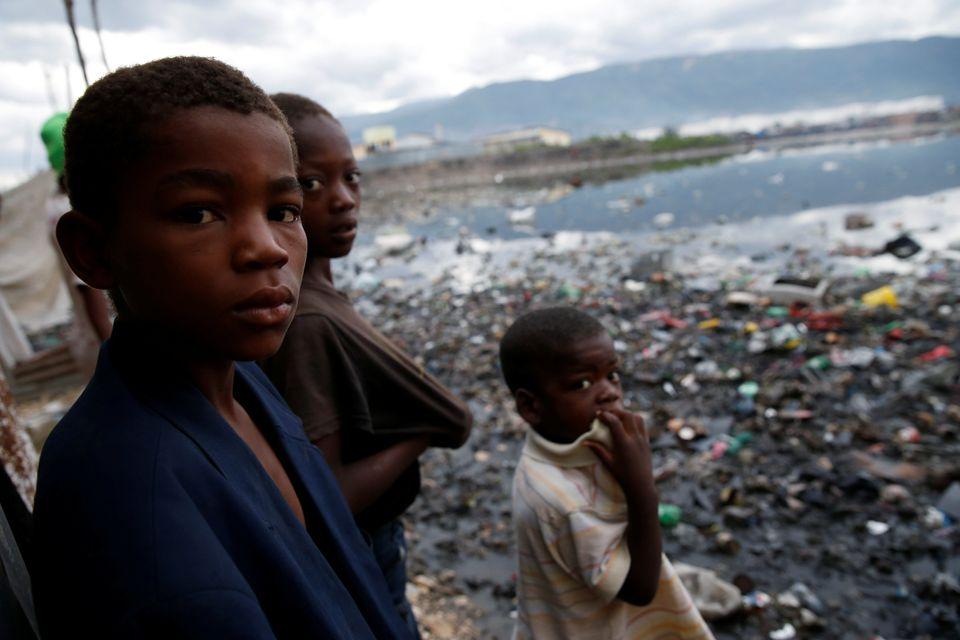 ハリケーン「マシュー」の被害が拡大するハイチで、子供たちが人身売買の餌食に