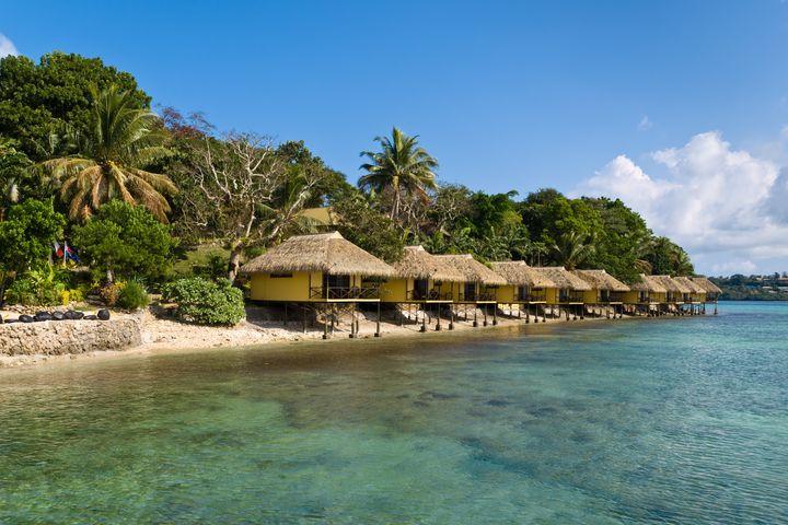 On thesmaller Iririki Island, bungalowsoffer perfect waterfront views.