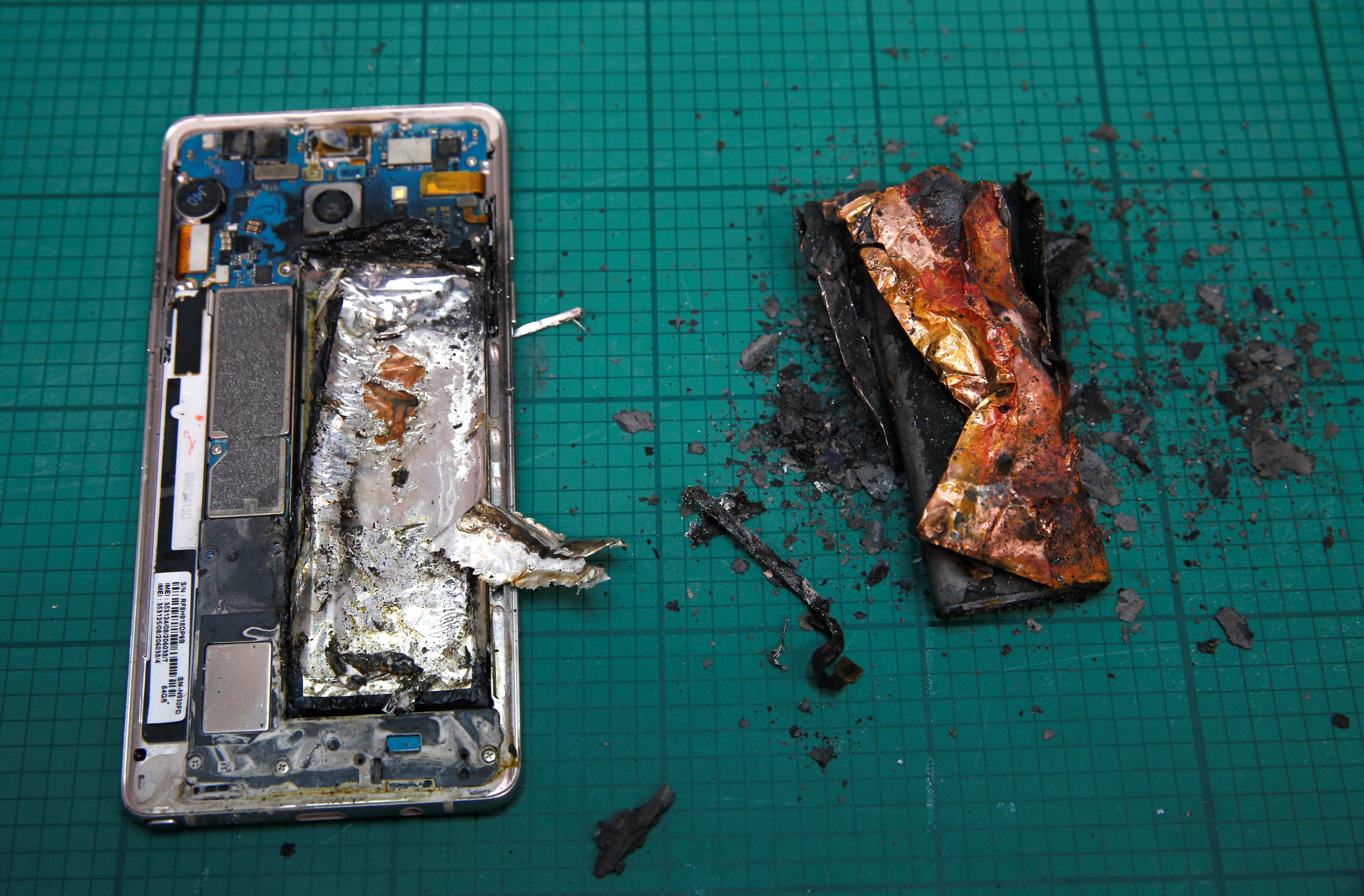 Samsung Halts Production, Sales Of Galaxy Note