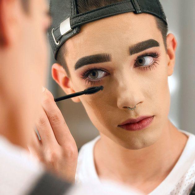 ケイティ・ペリーも注目、17歳男の子がコスメブランドのモデルに