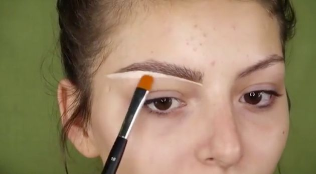 Beauty Bloggers Are Putting Soap On Their Eyebrows And This Is