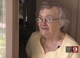 Pizza Deliveryman Checks On Stranger's Grandma After Hurricane