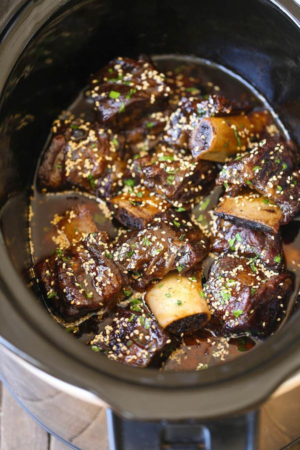 """<strong>Get the <a href=""""http://damndelicious.net/2016/03/23/slow-cooker-asian-short-ribs/"""" target=""""_blank"""">Slow Cooker Asian"""