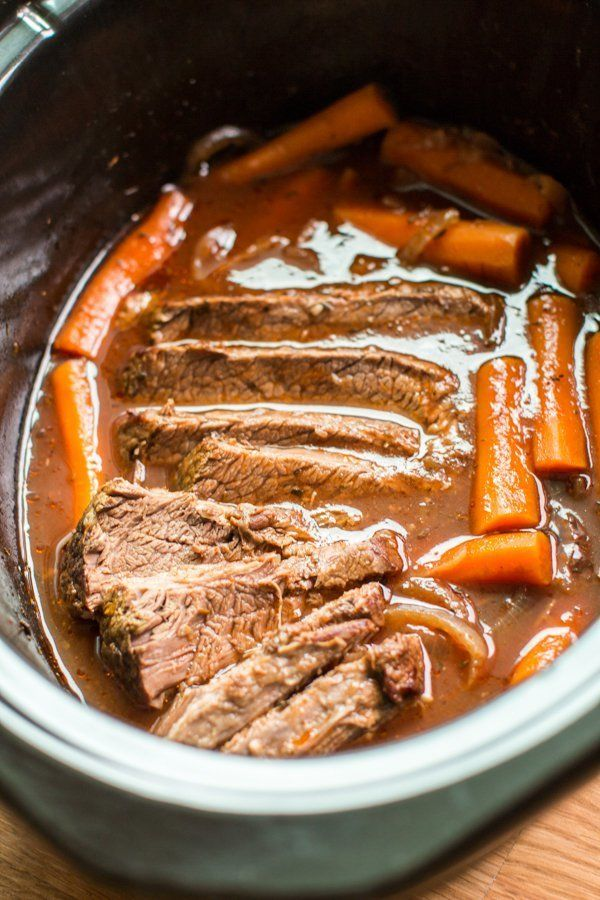 """<strong>Get the <a href=""""http://www.themagicalslowcooker.com/2016/09/02/slow-cooker-red-wine-beef-brisket/"""" target=""""_blank"""">S"""