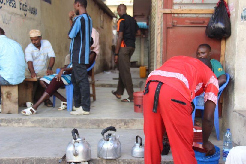 Kibakuli's corner, Narung'ombe & Sikukuu