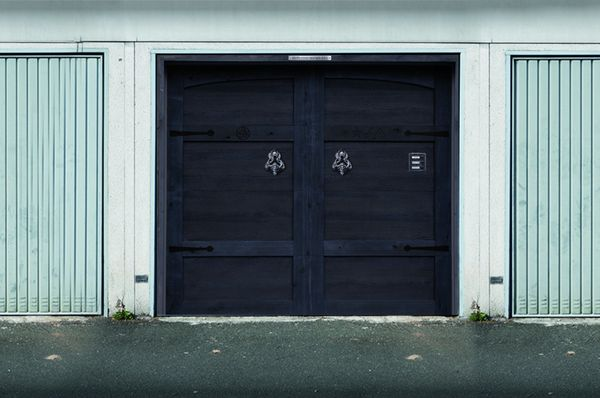 These Spooky Garage Door Stickers Are What Halloween Is All About ...