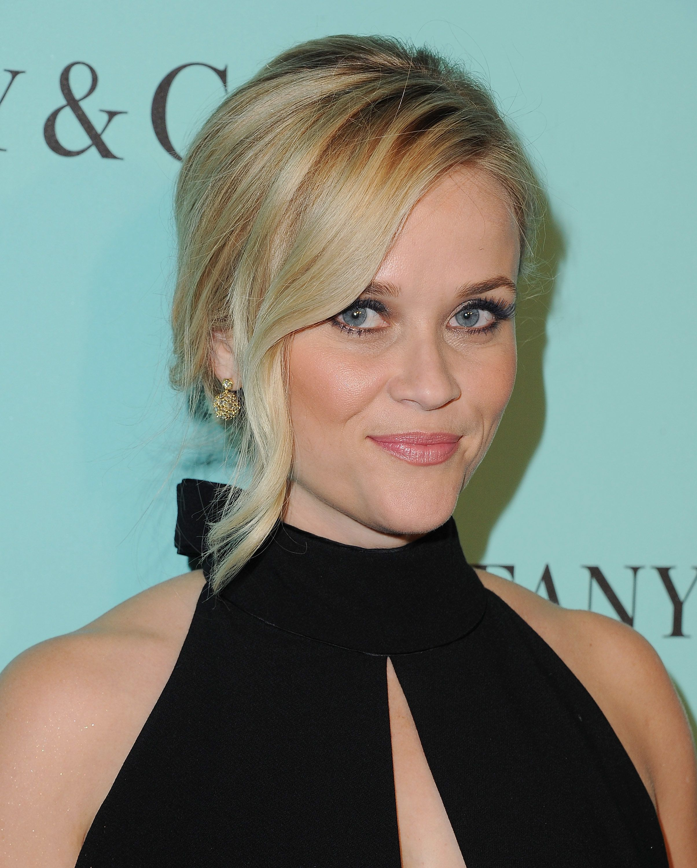 BEVERLY HILLS, CA - OCTOBER 13:  Actress Reese Witherspoon arrives at Tiffany And Co. Celebrates Unveiling Of Renovated Beverly Hills Store at Tiffany & Co. on October 13, 2016 in Beverly Hills, California.  (Photo by Jon Kopaloff/FilmMagic)