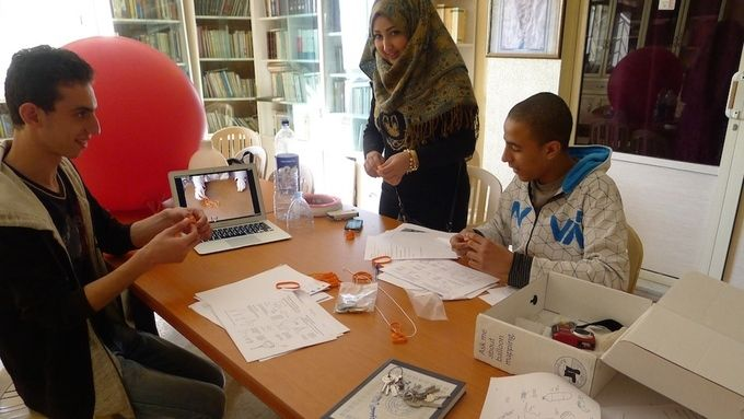 Amal, Firas and Mustapha planning the balloon mapping.