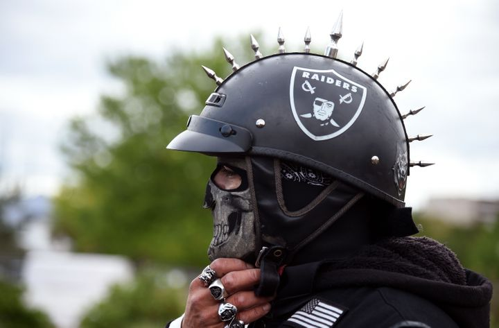 A new 1.9 billion stadium is meant to lure the Oakland Raiders to Las Vegas.