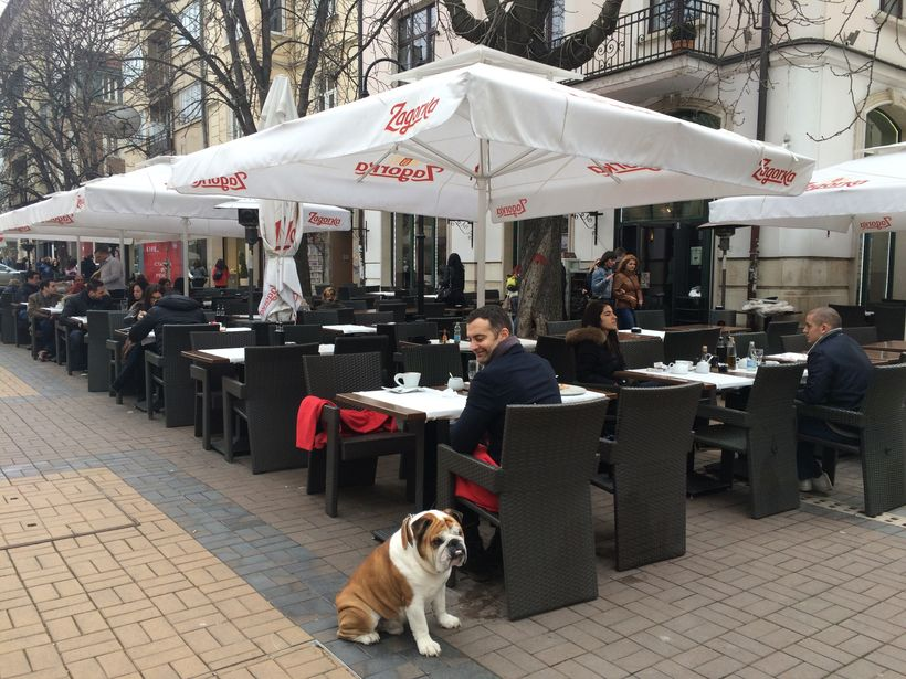Al fresco dining on boulevard Vitosha, a pedestrian only street