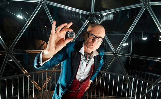 Stephen Merchant took on hosting duties in this one-off special for Channel 4's 'Stand Up To