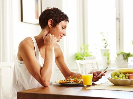 Breast Cancer Awareness Month: How To Manage Your Diet After A Cancer Diagnosis