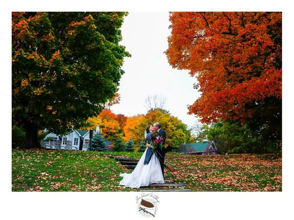 21 romantic october wedding photos thatll make you fall hard huffpost vicky andnbspbrandon were married on a gorgeous fall day in a sweet lakeside jen shoots weddings junglespirit