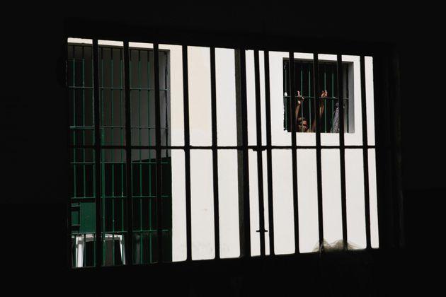 Dozens die in Brazil prison riot