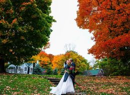 21 Romantic October Wedding Photos That'll Make You Fall Hard