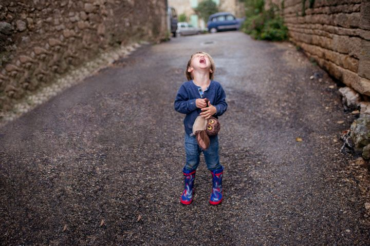 """Could a """"secret signal"""" stop the stress of toddlers having tantrums in public?"""