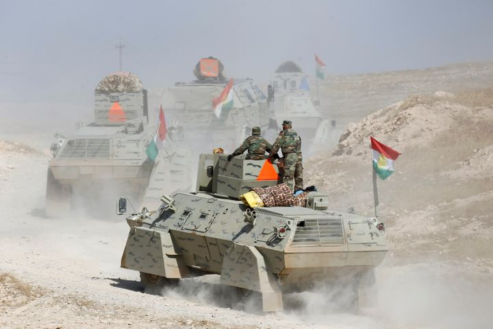 Peshmerga forces advance in the east of Mosul to attack Islamic State militants in Mosul, Iraq, October 18, 2016.
