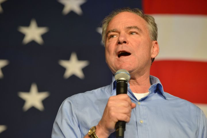 Democratic vice presidential nominee Tim Kaine gave a speech fully in Spanish on Sunday.
