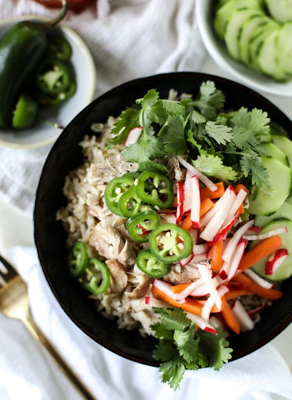 "<strong>Get the <a href=""http://www.howsweeteats.com/2016/10/slow-cooker-banh-mi-rice-bowls/"" target=""_blank"">Slow Cooker Ban"
