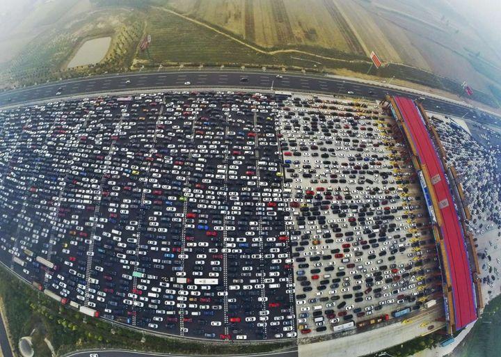 Massive traffic jam on Beijing's 50-lane expressway