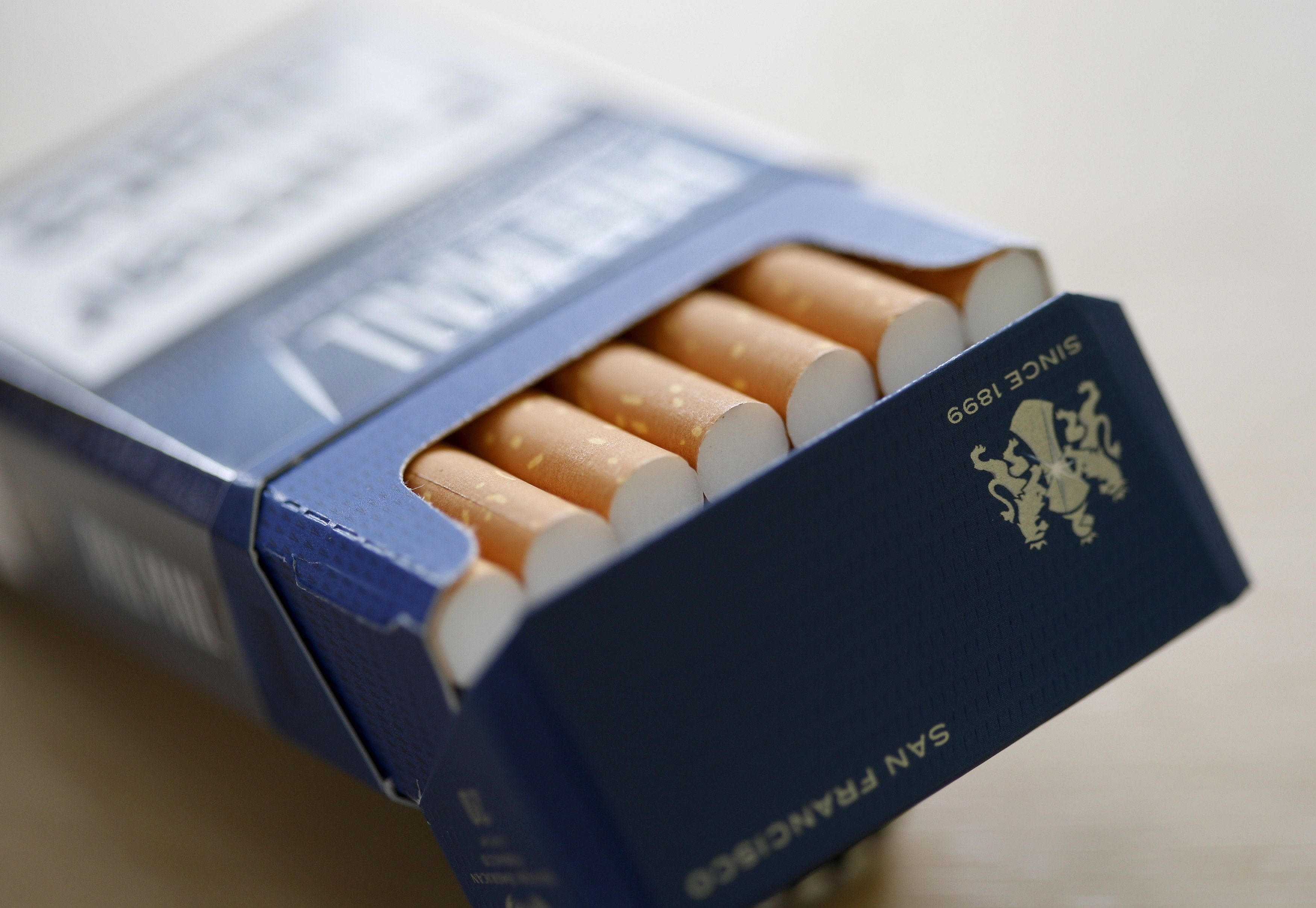 Pall Mall cigarettes are seen after the manufacturing process in the British American Tobacco Cigarette Factory (BAT) in Bayreuth, southern Germany, April 30, 2014.   REUTERS/Michaela Rehle/File Photo         GLOBAL BUSINESS WEEK AHEAD PACKAGE - SEARCH 'BUSINESS WEEK AHEAD APRIL 25'  FOR ALL IMAGES