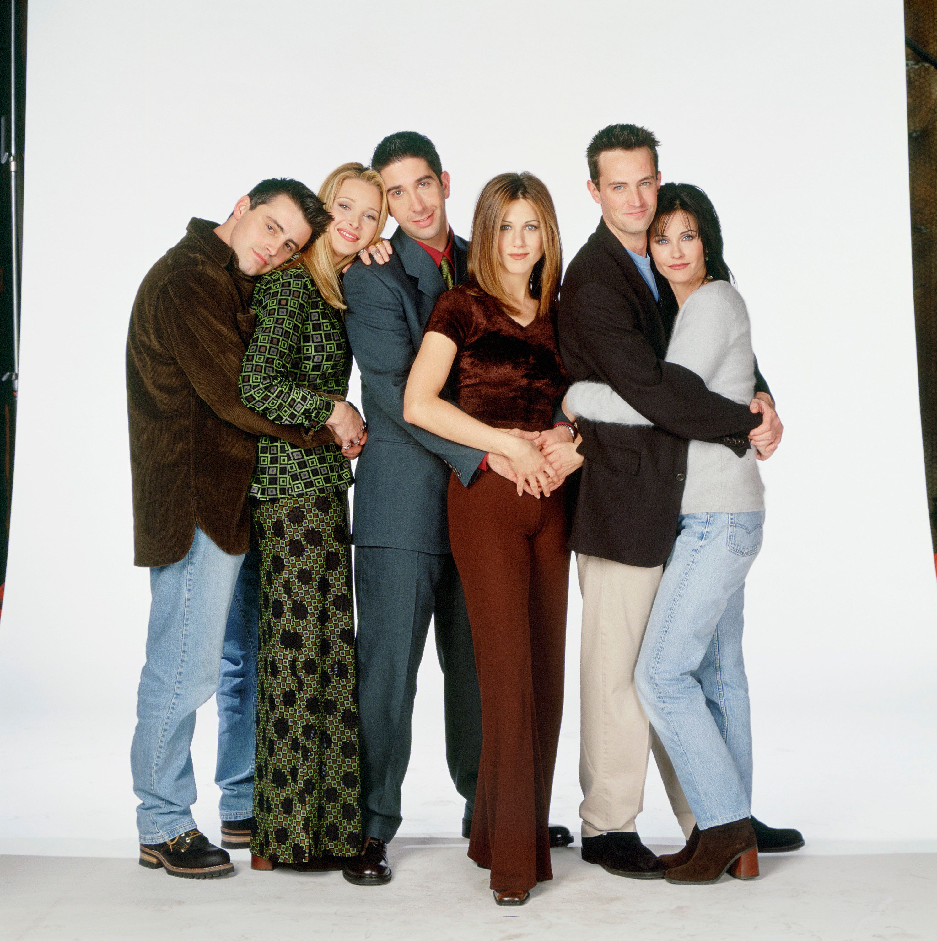 FRIENDS -- Pictured: (l-r) Matt LeBlanc as Joey Tribbiani, Lisa Kudrow as Phoebe Buffay, David Schwimmer as Ross Geller, Jennifer Aniston as Rachel Green, Matthew Perry as Chandler Bing, Courteney Cox Arquette as Monica Geller  (Photo by NBC/NBCU Photo Bank via Getty Images)