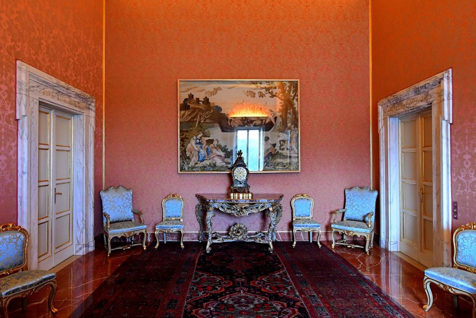 Aview of the pontiff's private apartments, now open to tourists as a museum, at the former summer residence in Castel G