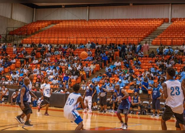 The alumni pep rally drew in nearly 500 attendees at Wilkerson Greines Activity Center