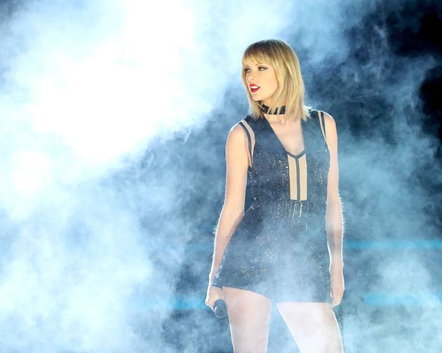 Taylor Swift Goes Back To Her True Self In A Black Sparkly
