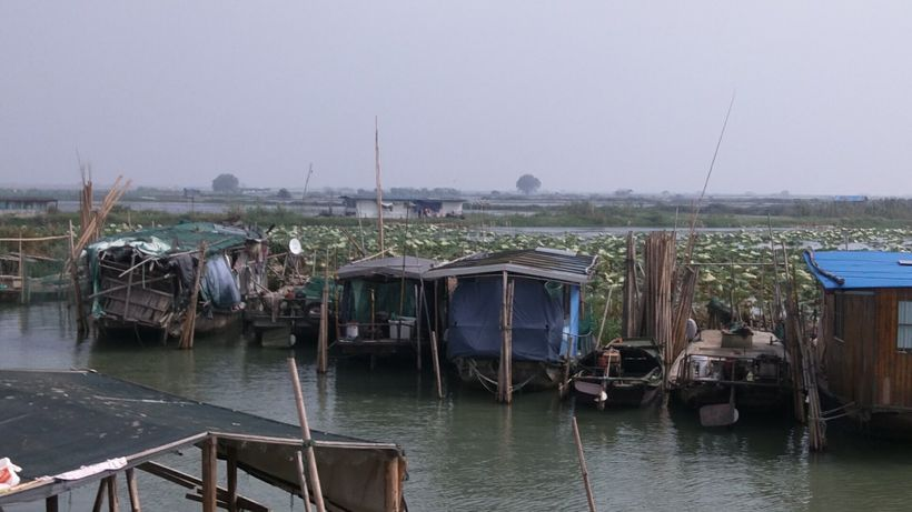 Crab catchers stay on houseboats